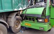 Масштабна ДТП у Кам'янському: постраждали 13 людей