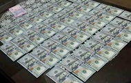 В Запорожской области чиновников поймали на взятке в сто тысяч