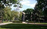У Вятровича заявили, что все памятники Жукову подлежат сносу