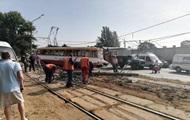 В Одессе трамвай снес столб