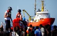 Испания готова принять судно с мигрантами, от которого отказалась Италия