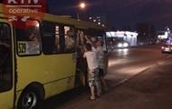 В Киеве у маршрутки на ходу отвалились двери