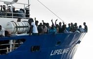Італія і Мальта знову відмовилися приймати судно з мігрантами