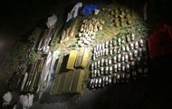 СБУ обнаружила арсенал оружия под Киевом