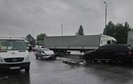 Под Киевом столкнулись пять автомобилей