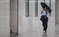 Украинцам обещают жару и дожди