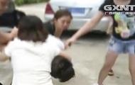 Три китаянки сдали в полицию мужчину, встречавшегося с ними одновременно