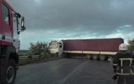 Под Черновцами столкнулись девять авто