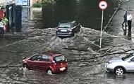 У Хмельницькому злива затопила вулиці