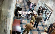 Активисты с тортами Roshen ворвались в НАБУ
