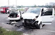 В Киеве лоб в лоб столкнулись авто: двое погибших