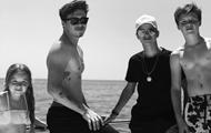 Семья Бекхэм отдыхает на море