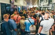 В Борисполе люди полдня ждали рейса в Египет под присмотром полиции