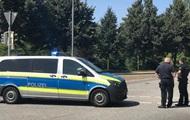 В Германии неизвестный ранил ножом 14 человек
