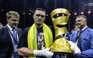 Усик стал четвертым абсолютным чемпионом с четырьмя поясами