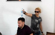 В горсовете Николаева общественница облила депутата водой