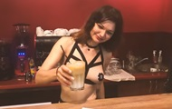 В Киеве открыли кафе с обнаженными официантами