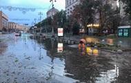 Негода в Києві обмежила рух громадського транспорту