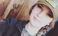 На Донбасі важко поранили дівчину-морпіха