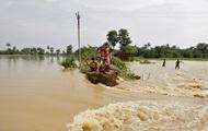 Жертвами наводнения в Индии стали почти 100 человек