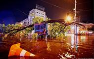 Итоги 16.08: Киев под водой и доллар по 28 гривен