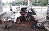 В Тернополе от взрыва на заправке такси разорвало пополам