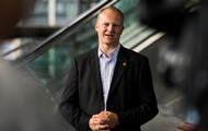 В Норвегии министр ушел в отставку ради супруги