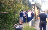В Черновцах угонщик авто слетел с моста при бегстве от полиции