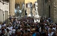 Туристам во Флоренции запретили есть на улицах центра города