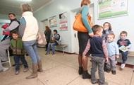 В Украине запретили пускать в школы и садики детей без прививок