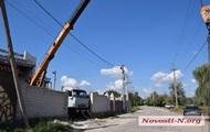 В Николаеве кран задел линию электропередач, погиб рабочий