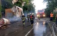 В Киеве загорелась новостройка
