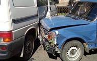 Пьяный водитель в Черновцах устроил столкновения десяти авто