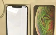 Пользователю продали iPhone XS Max с дефектным экраном