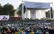 На мессу Папы римского в Литве пришли более 100 тысяч человек