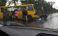 В Киевской области автомобиль столкнулся с автобусом
