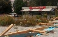 В Житомирской области ветер сорвал крышу магазина, есть пострадашие