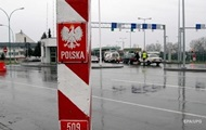 На кордоні з Польщею утворилися довгі черги
