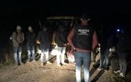 На Закарпатье задержали микроавтобус с нелегалами
