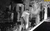 В Ровно мужчина угрожал полицейским гранатой