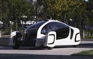 Японія представила електромобіль, на 90% зроблений з пластмаси