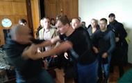 Радикалы С14 устроили драку в суде Житомира