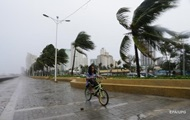 На Японию движется тайфун: почти 100 тысяч домов остались без света