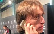 Лучший в мире футболист удивил фанатов старым телефоном
