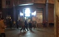 В Киеве толпа детей ограбила магазин - журналист