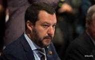 В Италии грозят закрыть аэропорты для мигрантов