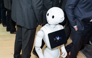 Впервые в британском парламенте выступит робот