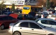 Авто на еврономерах заблокировали улицы в Киеве