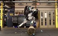 Boston Dynamics научила робота паркуру