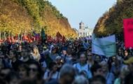 В Берлине на марш против расизма вышли 240 тысяч человек